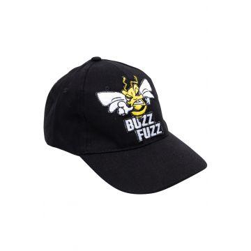 Buzz Fuzz Pet Geborduurd Logo   zwart